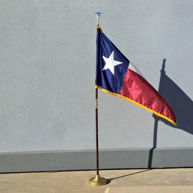 Where to find TEXAS FLAG W STAND in Dallas